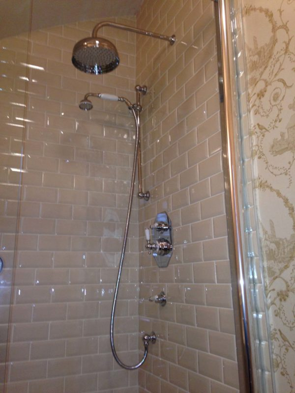 brick work shower1